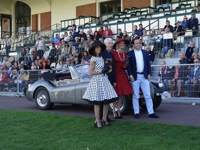 2016.10.02-084 1er prix classiques 22 Jaguar XK120 cabriolet 1953