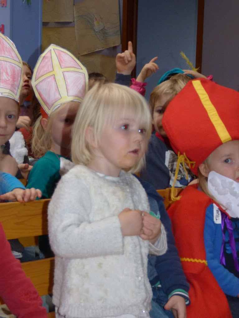 Sinterklaas op bezoek - P1060484.JPG