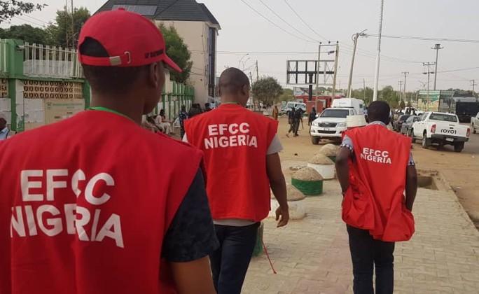 EFCC Officials Raid Hotel In Enugu, Beat Hotel Owner & Arrest Many