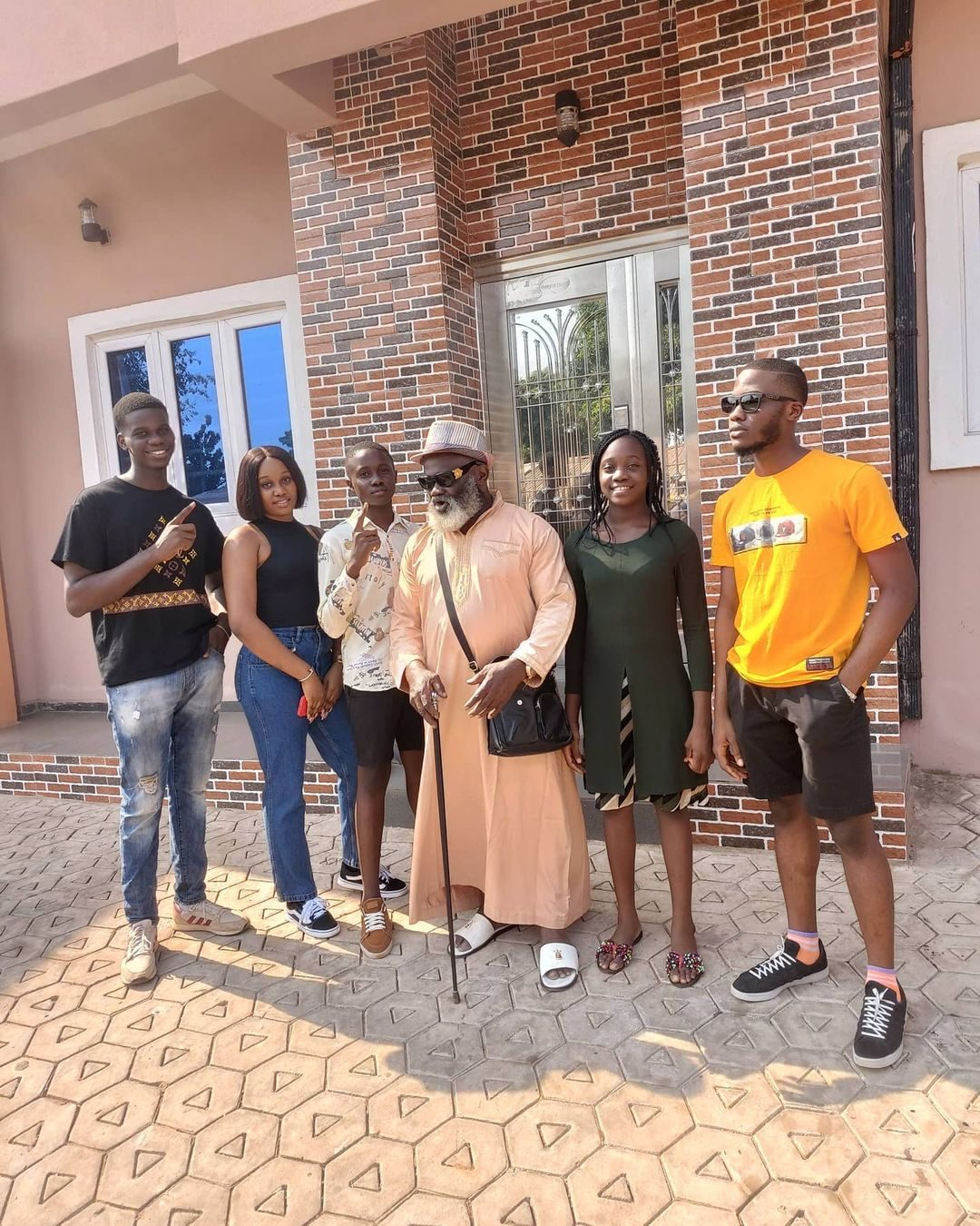 Harry B Anyanwu, His Wife & 5 Children Pose In New Pictures