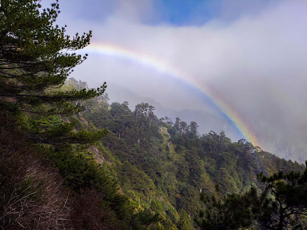 奇萊南華 彩虹