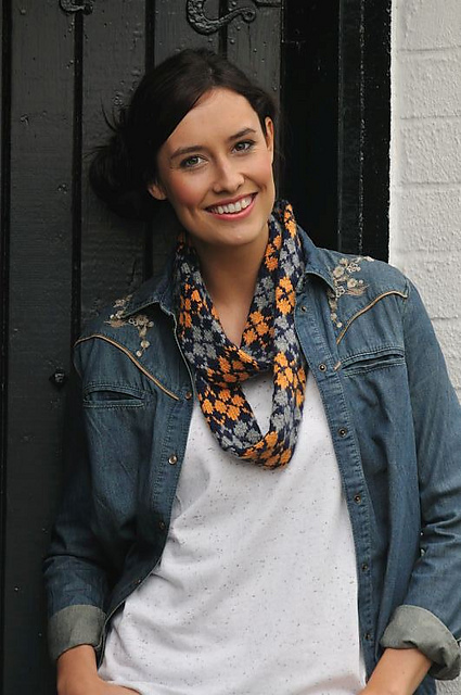Argyle autumn tube scarf