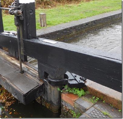7 dodgy paddle gear wolverley court lock
