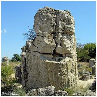 Вбитые камни. Болгария.