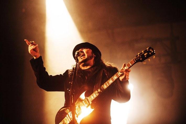 Feliz aniversário, Daron Malakian!
