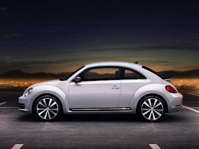 Volkswagen-Beetle_2012_1600x1200_Side