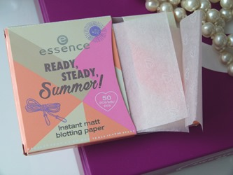 essence ready steady summer instant matt blotting paper