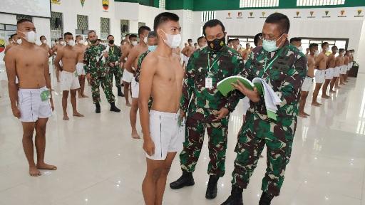 Kasdam I/BB Pilih Calon Prajurit Tangguh Modern dan Profesionalisme Dalam Sidang Parade Penerimaan Bintara