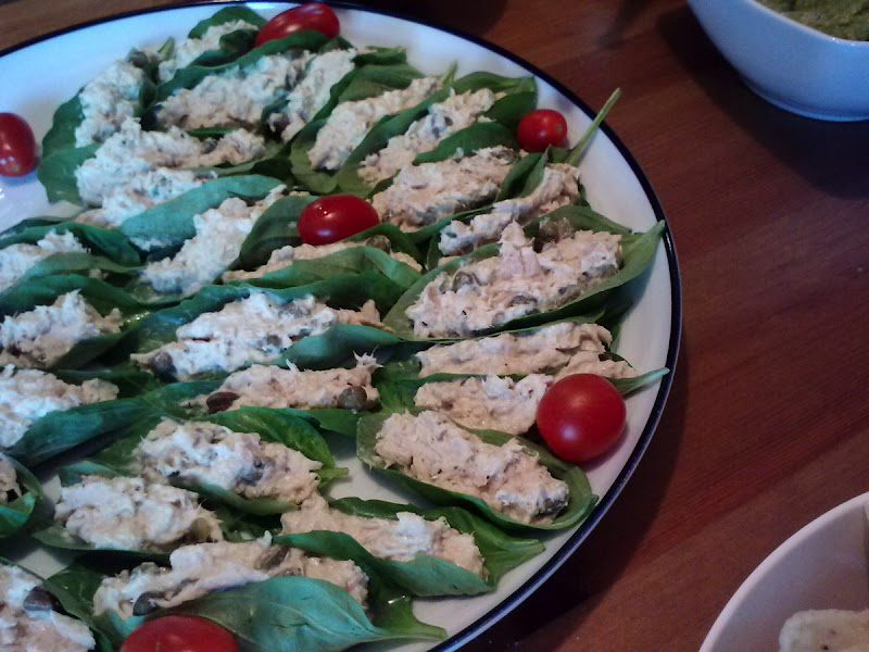 Basil Tuna Boats