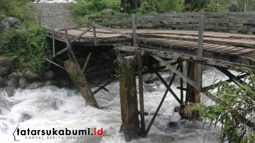 Jembatan Penghubung Cikakak dan Kampung Adat Ciptagelar Mengkhawatirkan