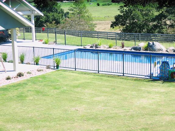 F12 Infinity Pool Fence