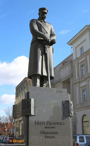Warszawa - pomnik marszałka Piłsudskiego