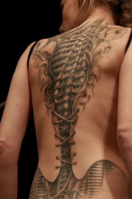 corset_elegante_steampunk_volta_completa_da_tatuagem