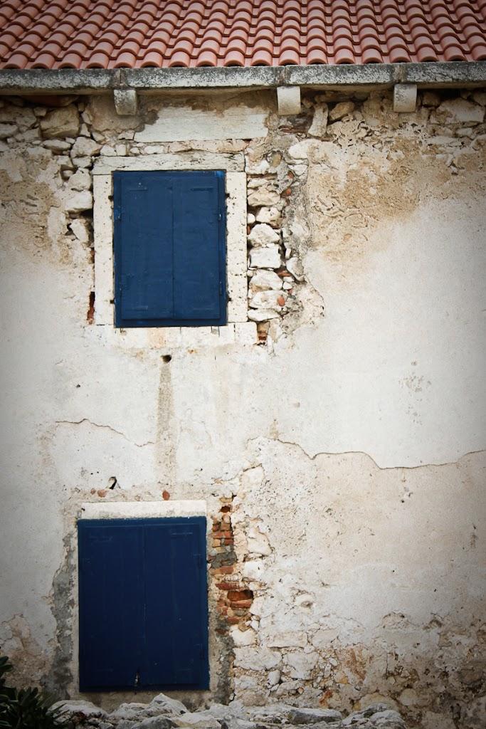 Croatia - Silba, Zadar, sky, cats, windows - Vika-8173.jpg