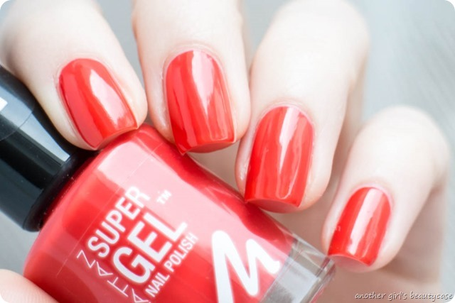 Manhattan Super Gel Nail Polish Swatch Erfahrungsbericht seductive red ladies night almost midnight devious red-2