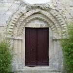 Église Sainte-Geneviève de Marolles : porche