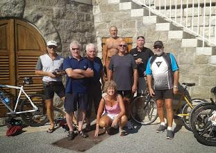 Photo: Photo du groupe bienheureux avec notamment Pascal, Gilles, Marie-Jo, Antoine, Jean-Michel, Bernard (et Thierry qui prend la photo).