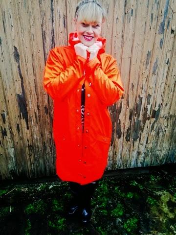 k-fashion-clothing-rain-outfit