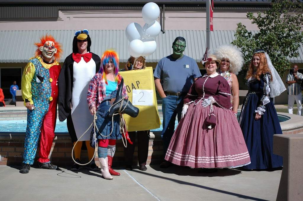 Halloween Costume Contest 2010 - DSC_0272.JPG