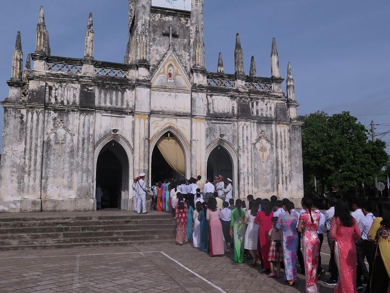 Hình ảnh Đức Giám Mục Giáo phận thăm viếng và ban phép thêm sức tại giáo xứ Hà Dừa - Giáo hạt Diên Khánh