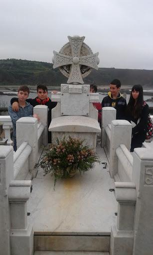 tumba Severo Ochoa en Luarca
