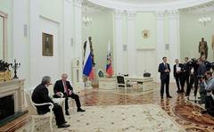Vladimir Putin, President of Abkhazia Raul Khadjimba.