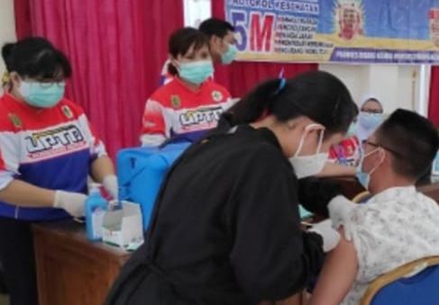 Legislator Barsel bersama Staf Jalani Vaksin Tahap Kedua