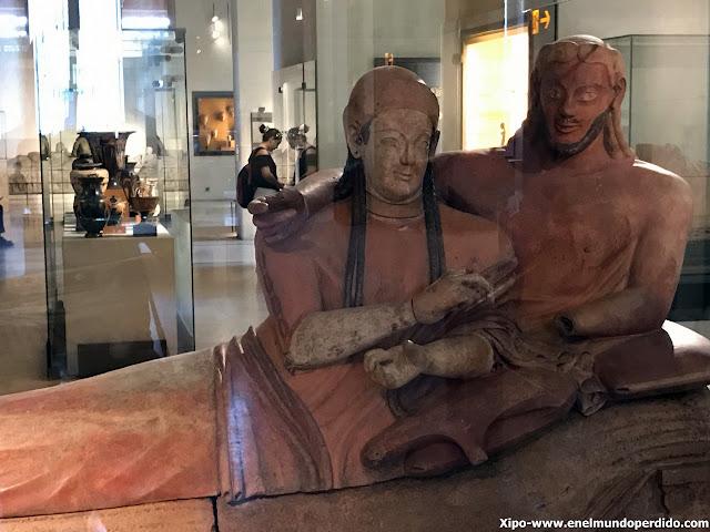 sarcofago-cerveteri-louvre-paris.JPG