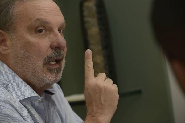 """POLÍTICA-""""Nunca admiti cabresto, nem recebo ordem unida"""", diz Armando Monteiro em nota"""