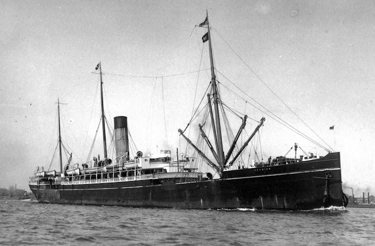 En esta foto esta bajo el nombre de URANIUM, ya al final de su vida. Foto Clyde Built Ships.jpg