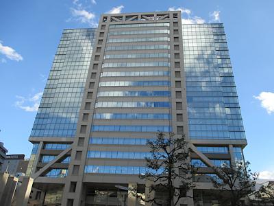 ニッセイアロマスクエアと、大田区民ホール・アプリコ