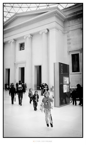 A little boy jump | Leica D-Lux 5