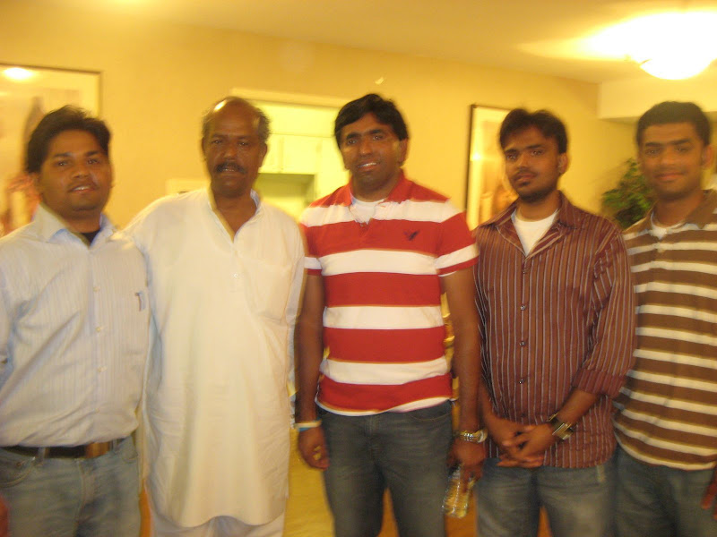 Siddhartha pamulaparthy, Santosh Kaloji and friends with Andesri garu