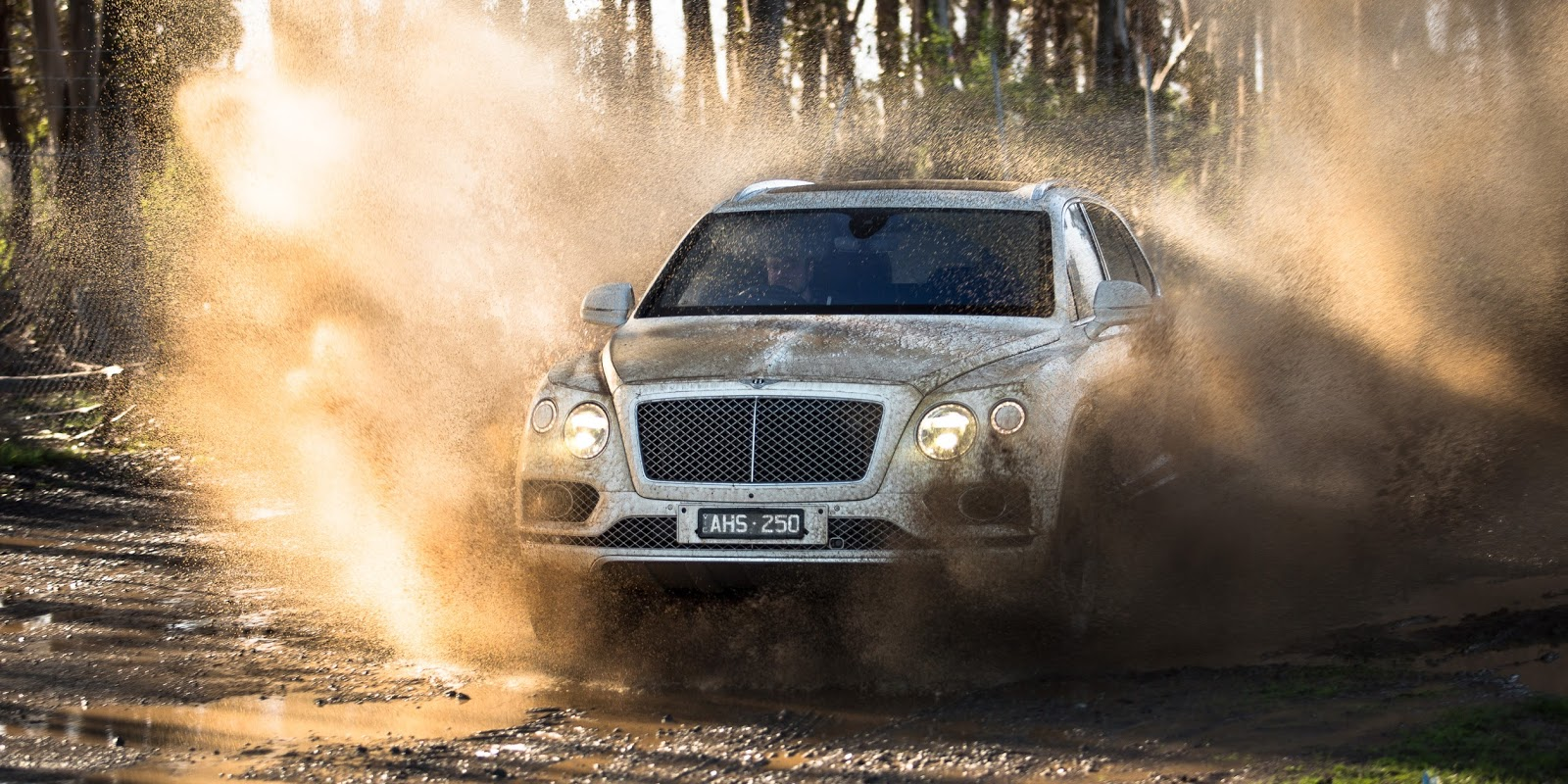 Bentley Bentayga không chỉ là một chiếc xe hạng sang, mà là một chiếc SUV năng động