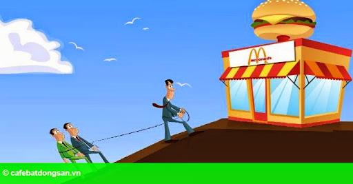 """Hình 1: Chuyện """"dưới bảo trên không nghe"""" tại McDonald's"""