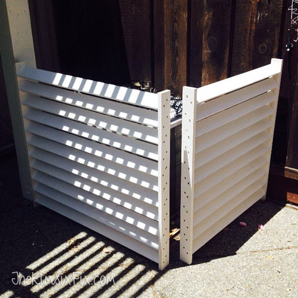 Assembling louvered screen