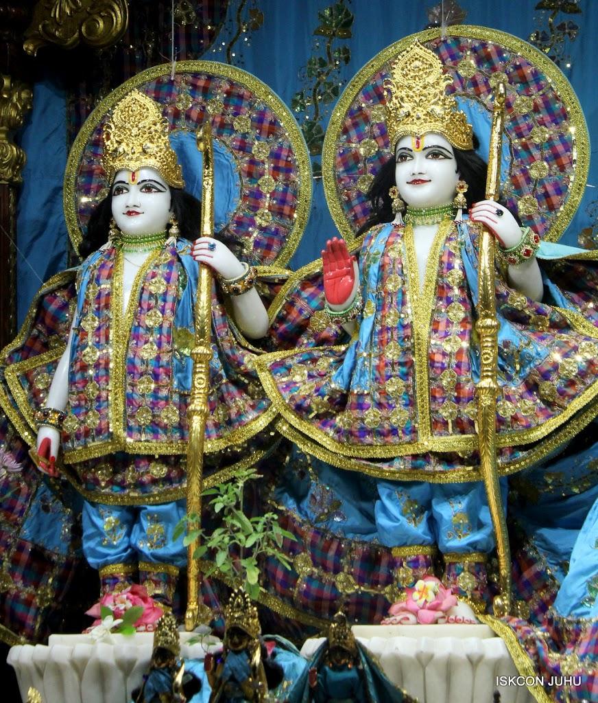 ISKCON Juhu Mangal Deity Darshan on 3rd May 2016 (14)