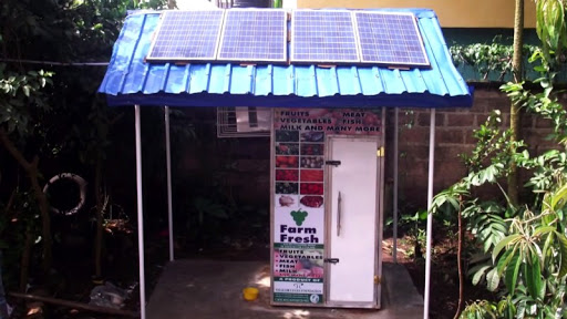 The New Solar Powered Fridges At Outside Shops Are The Perfect Solution To The Food Spoiling Problem