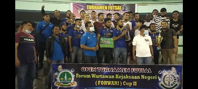 Sukses Event OTFFC Ke-2, Trophy Bergilir Kuning Keemasan Dibawa Khalis A FC