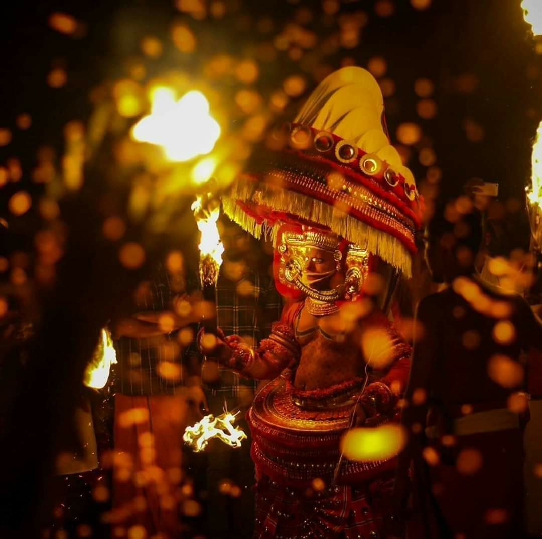 Vayanattu Kulavan Theyyam - Thondachan Theyyam photo