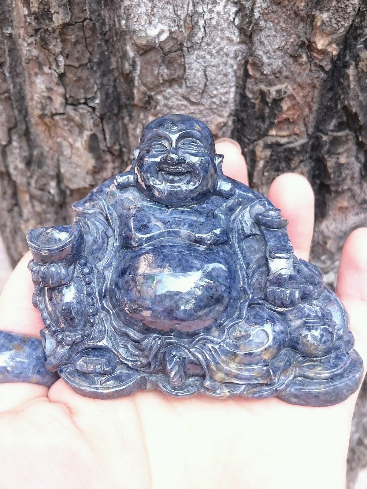Đá quý Sapphire chế tác tượng Phật Di Lạc nguyên khối