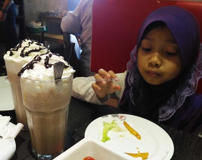 gambar chocolate milkshake