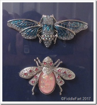 1-framed-jewelled-insect-brooches-_t