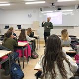 2018-02-28 Enric Osa de KUMON explica el seu mètode d'aprenentatge als alumnes d'EDI