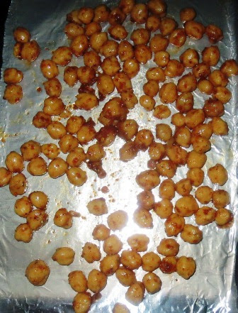 Spicy Oven Roasted Chickpeas Recipe | How to roast beans in the oven | Written by Kavitha Ramaswamy of Foodomania.com