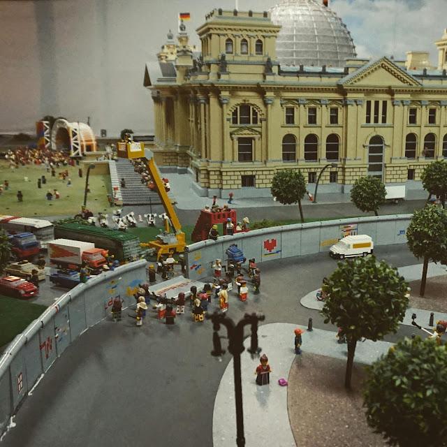 Berliinin Legoland Discovery Center, Berliinin muurin kaatuminen