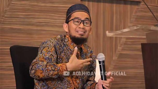 Ustaz Adi Hidayat Sorot soal Memakmurkan Masjid di Tengah PPKM Darurat