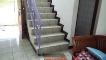 tangga dalam ruangan