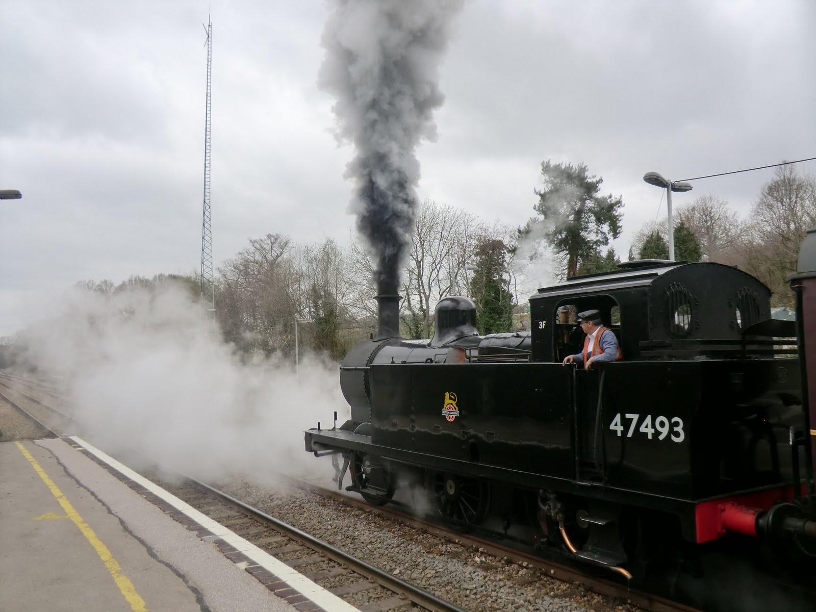 CIMG2468 The 1110 departs from Eridge
