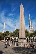 Истанбул е твърде голям и интересен град, за да може една кратка екскурзия за 6 дни да претендира за изчерпателност. И все пак искахме да надникнем на всякъде, да минем отново и през места, където вече сме били преди време като Св. София, Синята Джамия, дворците…